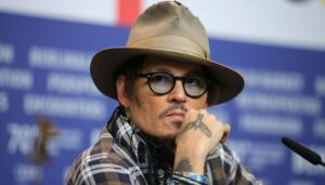 Johnny Depp urges people to fight against injustice